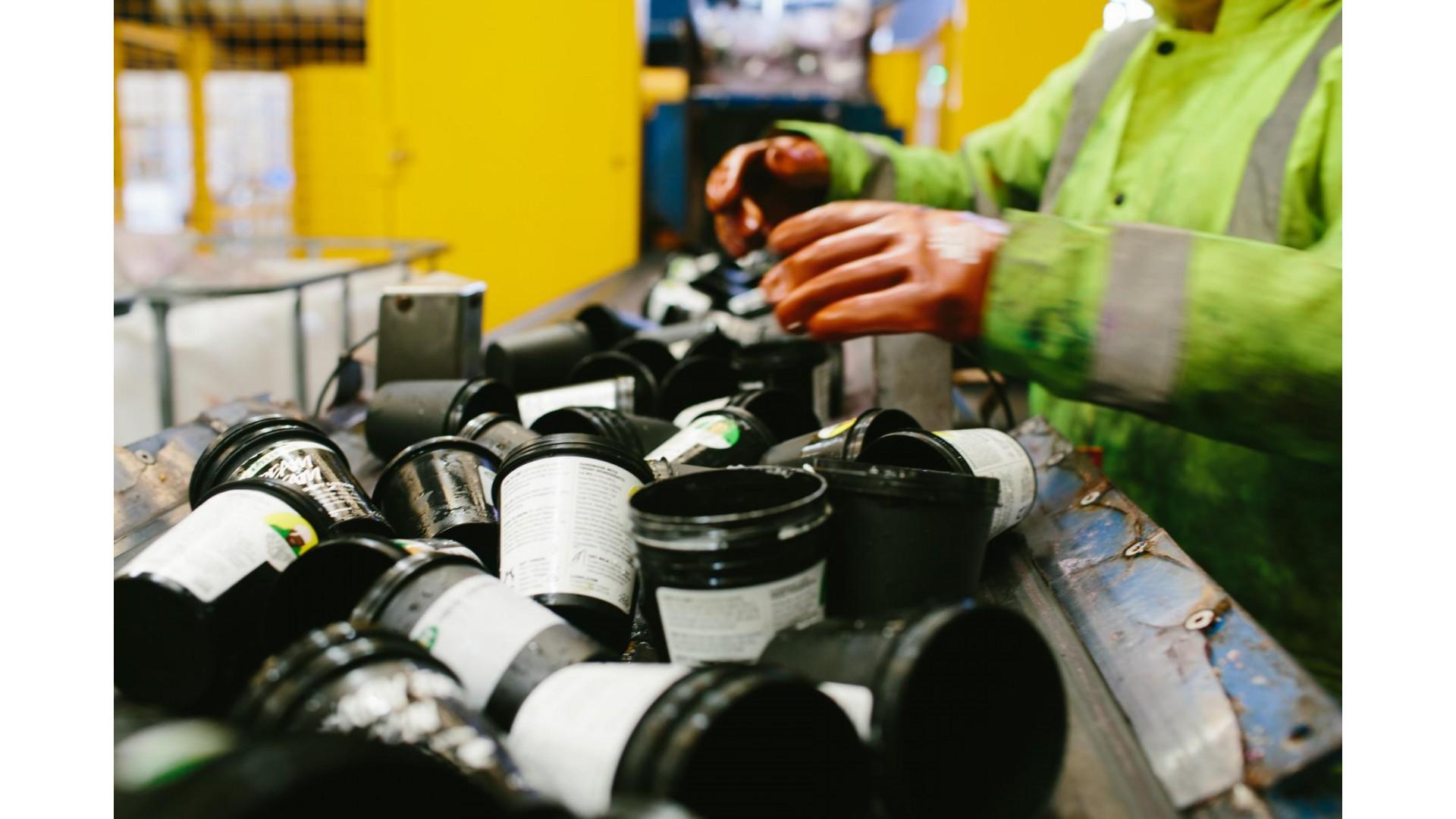 Recikliranje črnih posodic